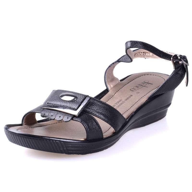 金猴皮鞋正品夏季真皮舒适时尚女鞋搭扣坡跟休