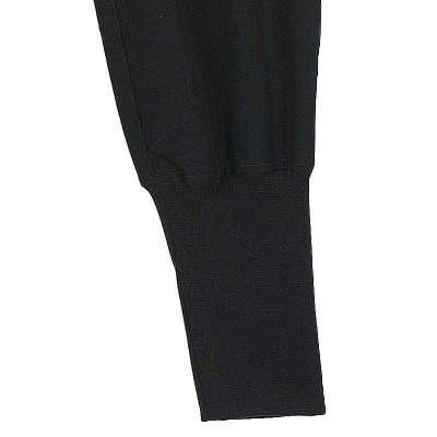 黑色靴子搭配什么颜色裤子