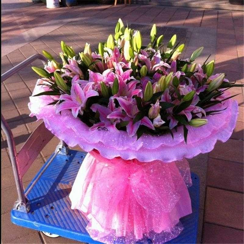 99朵 粉色百合花束 报价 价格 评图片