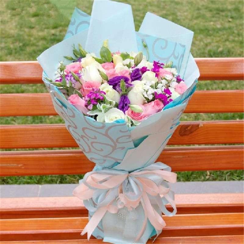 爱的印记 鲜花 粉白玫瑰鲜花花束图片