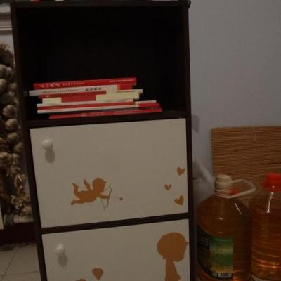 三层二门印花柜胡桃木白色