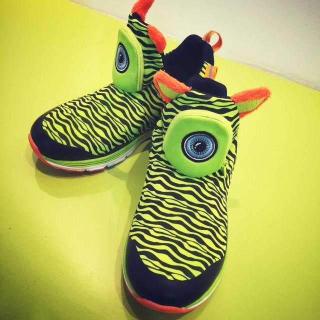 gps定位智能童鞋 儿童防丢鞋