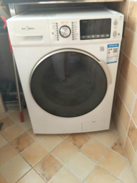 美的滚筒洗衣机全自动