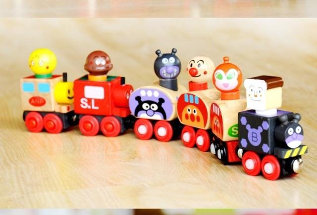 男女圣诞礼物磁性玩具车 小人车 磁力小车组合