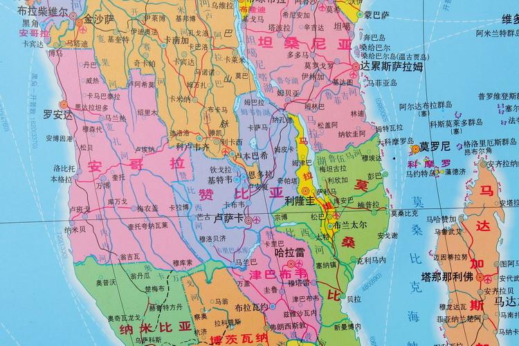 2014最新 世界地图挂图 亚膜高清防水 无缝整张挂图 1.5米*1.1米
