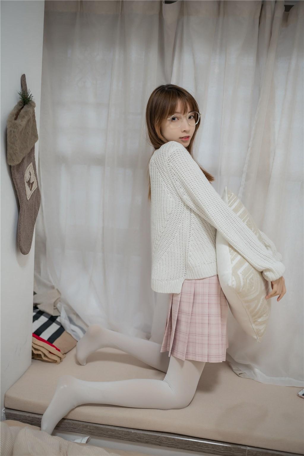 【兔玩映画】粉格裙的眼镜娘 兔玩映画 第40张