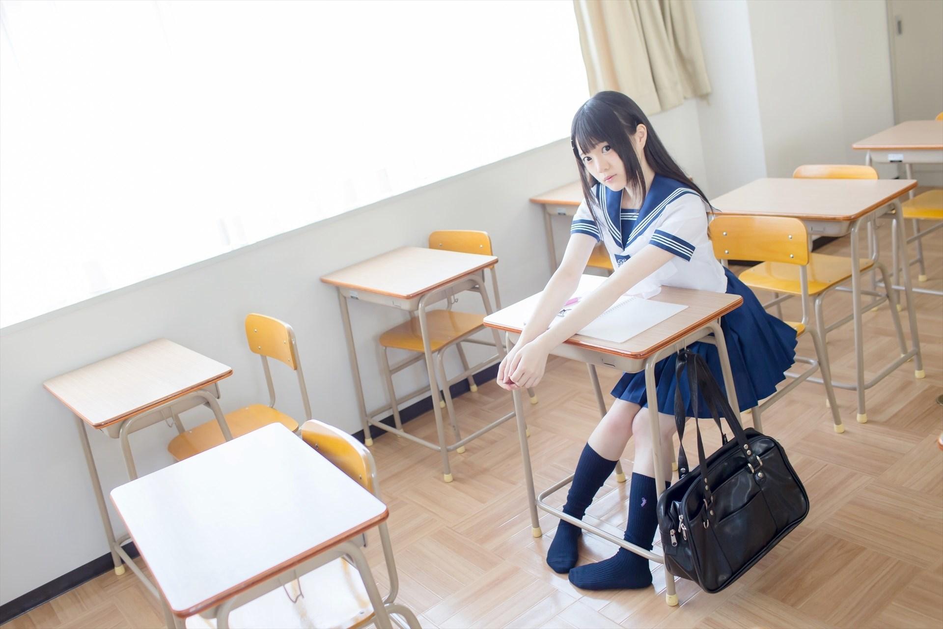 【兔玩映画】教室里的死库水 兔玩映画 第7张