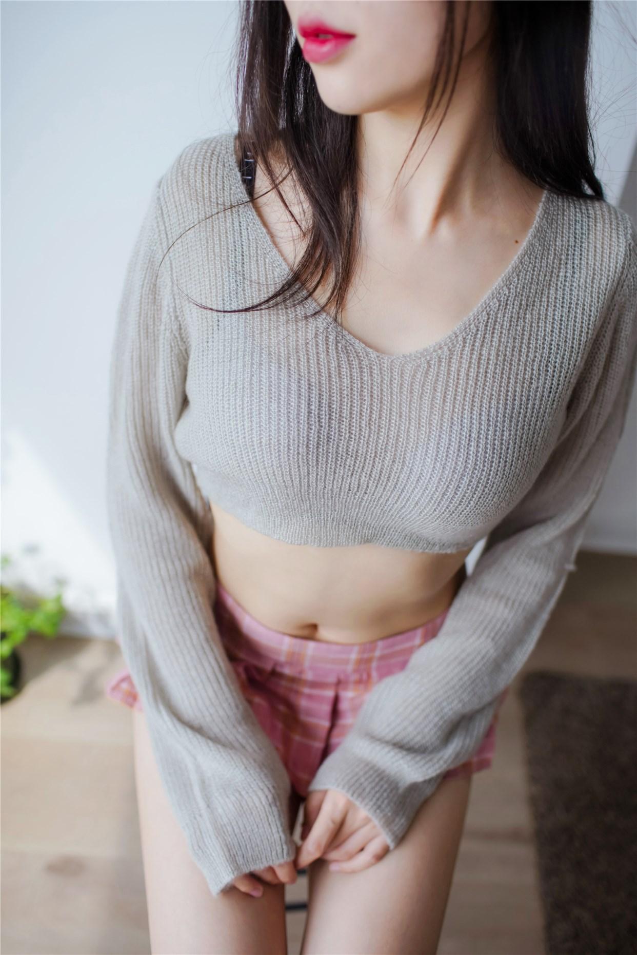 【兔玩映画】毛衣短裙 兔玩映画 第1张