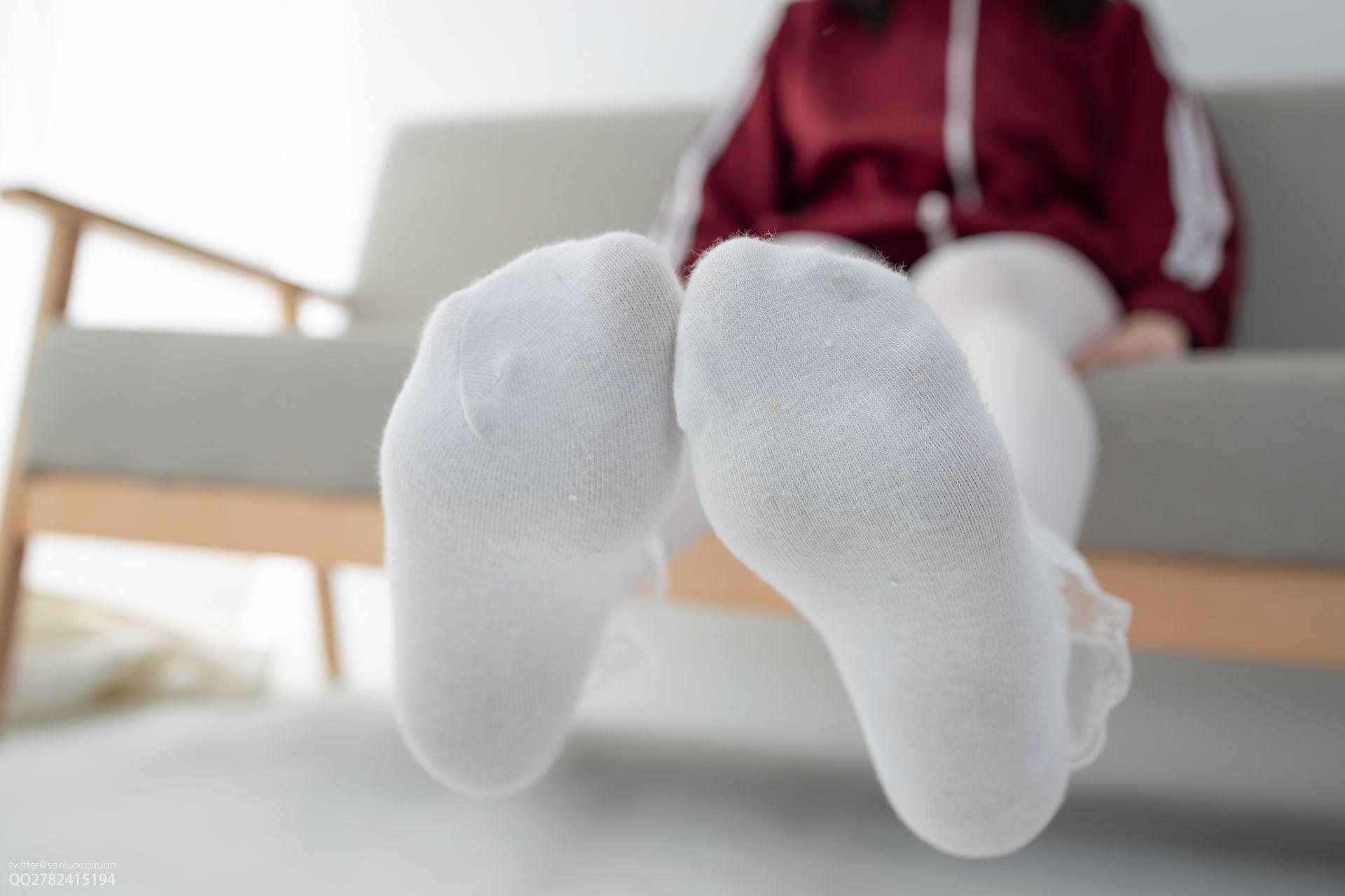 【森萝财团】 森萝财团写真 – JKFUN-057 白丝套蕾丝花边短袜 Aika [105P-1V-2.84GB] JKFUN 第4张
