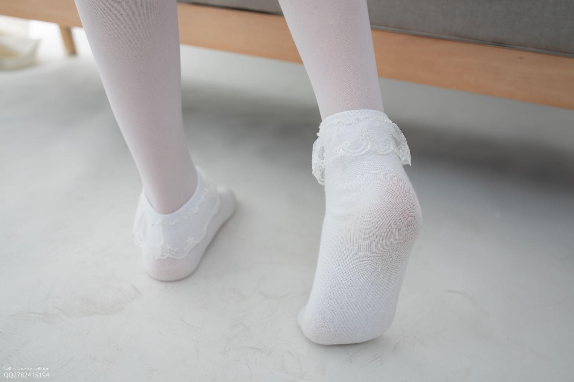 【森萝财团】 森萝财团写真 – JKFUN-057 白丝套蕾丝花边短袜 Aika [105P-1V-2.84GB] JKFUN 第2张