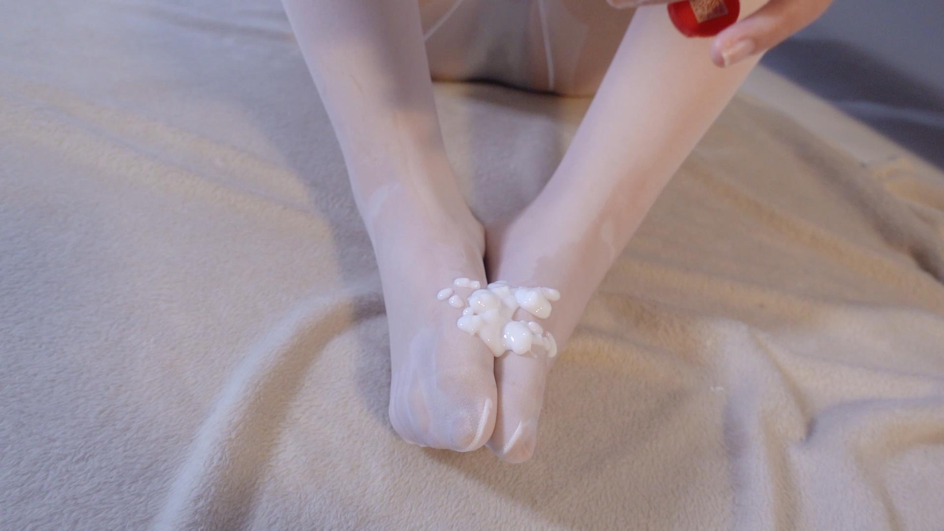【森萝财团】 森萝财团写真 – JKFUN-055 乳霜2 白丝 小夜 [1V-1.44GB] JKFUN 第4张