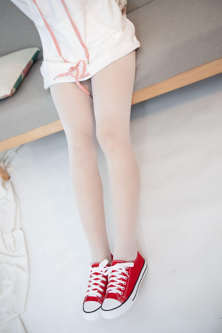 【森萝财团】 森萝财团写真 – JKFUN-054 红布鞋白丝 13D白丝 小夜 [50P-1V-1.75GB] JKFUN 第4张