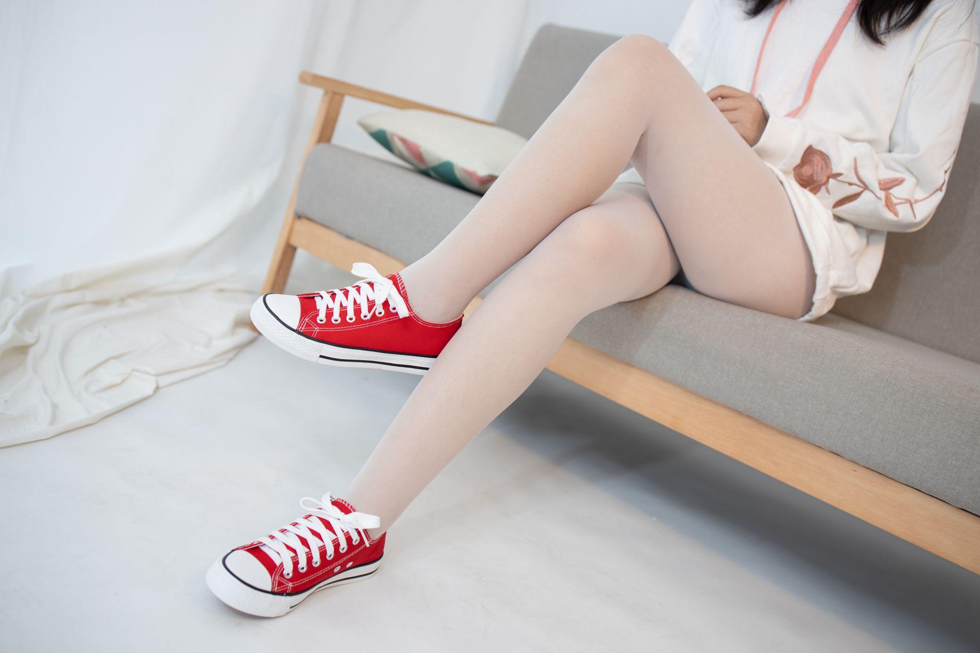 【森萝财团】 森萝财团写真 – JKFUN-054 红布鞋白丝 13D白丝 小夜 [50P-1V-1.75GB] JKFUN 第3张