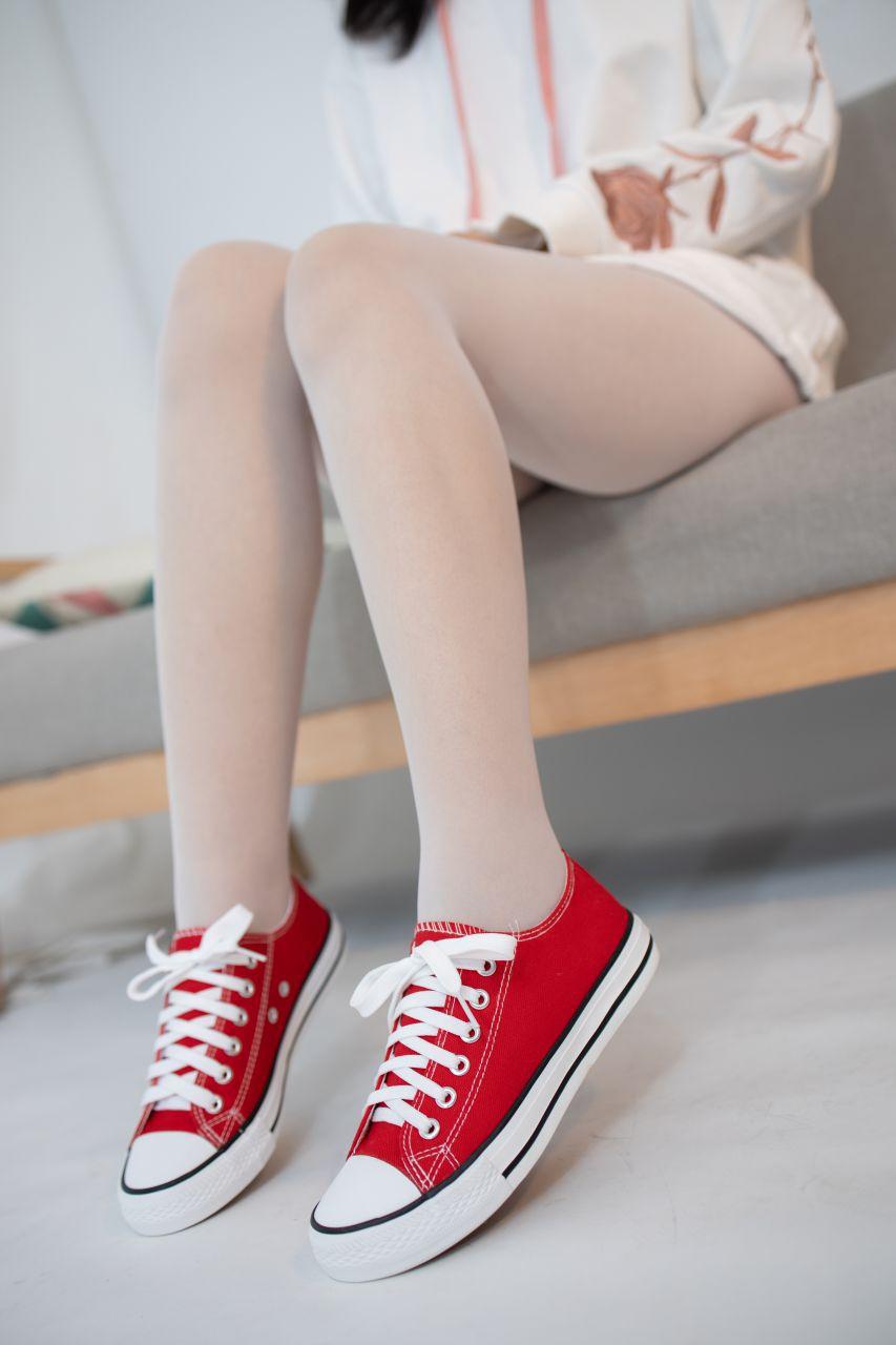 【森萝财团】 森萝财团写真 – JKFUN-054 红布鞋白丝 13D白丝 小夜 [50P-1V-1.75GB] JKFUN 第1张