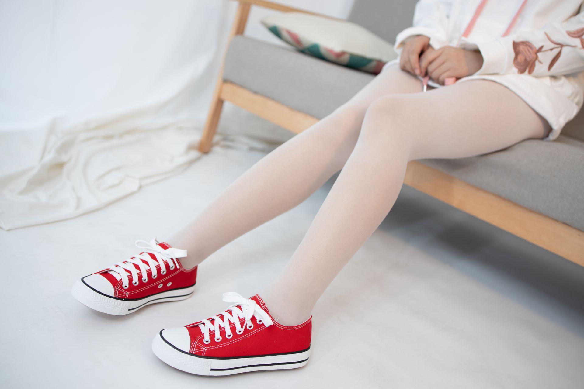 【森萝财团】 森萝财团写真 – JKFUN-054 红布鞋白丝 13D白丝 小夜 [50P-1V-1.75GB] JKFUN 第2张
