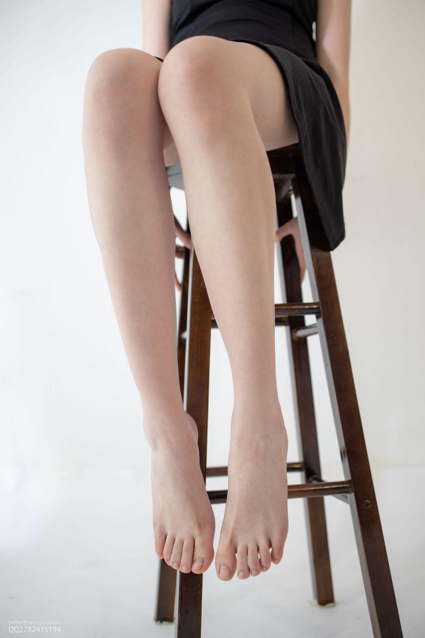 【森萝财团】 森萝财团写真 – JKFUN-049 百圆定制1.5-2 高跟鞋果足 Aika [68P-1V-1.23GB] JKFUN 第1张