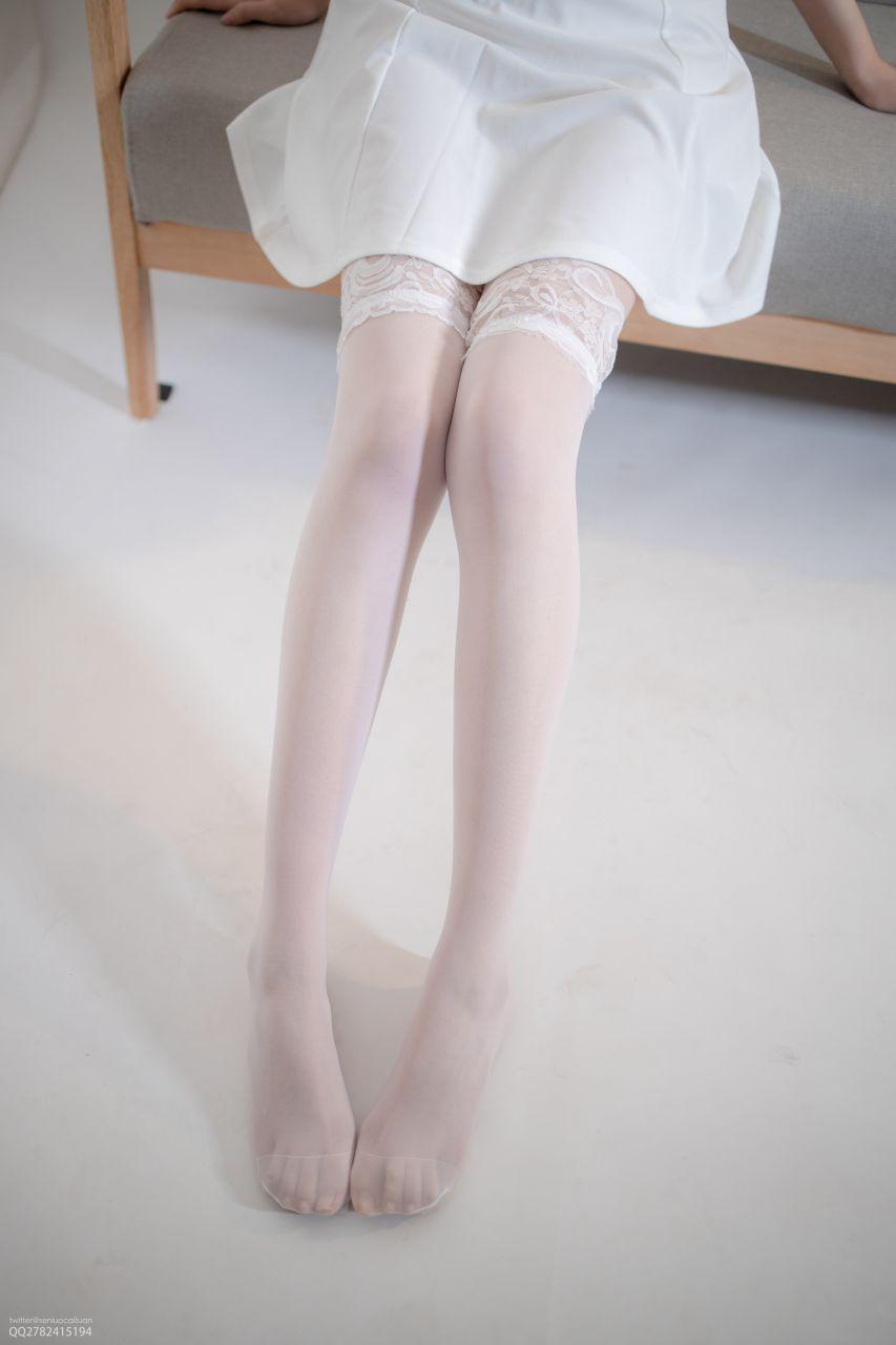 【森萝财团】 森萝财团写真 – JKFUN-044 百圆定制1-5 白色吊带裙 Aika [34P-1V-2.28GB] JKFUN 第1张