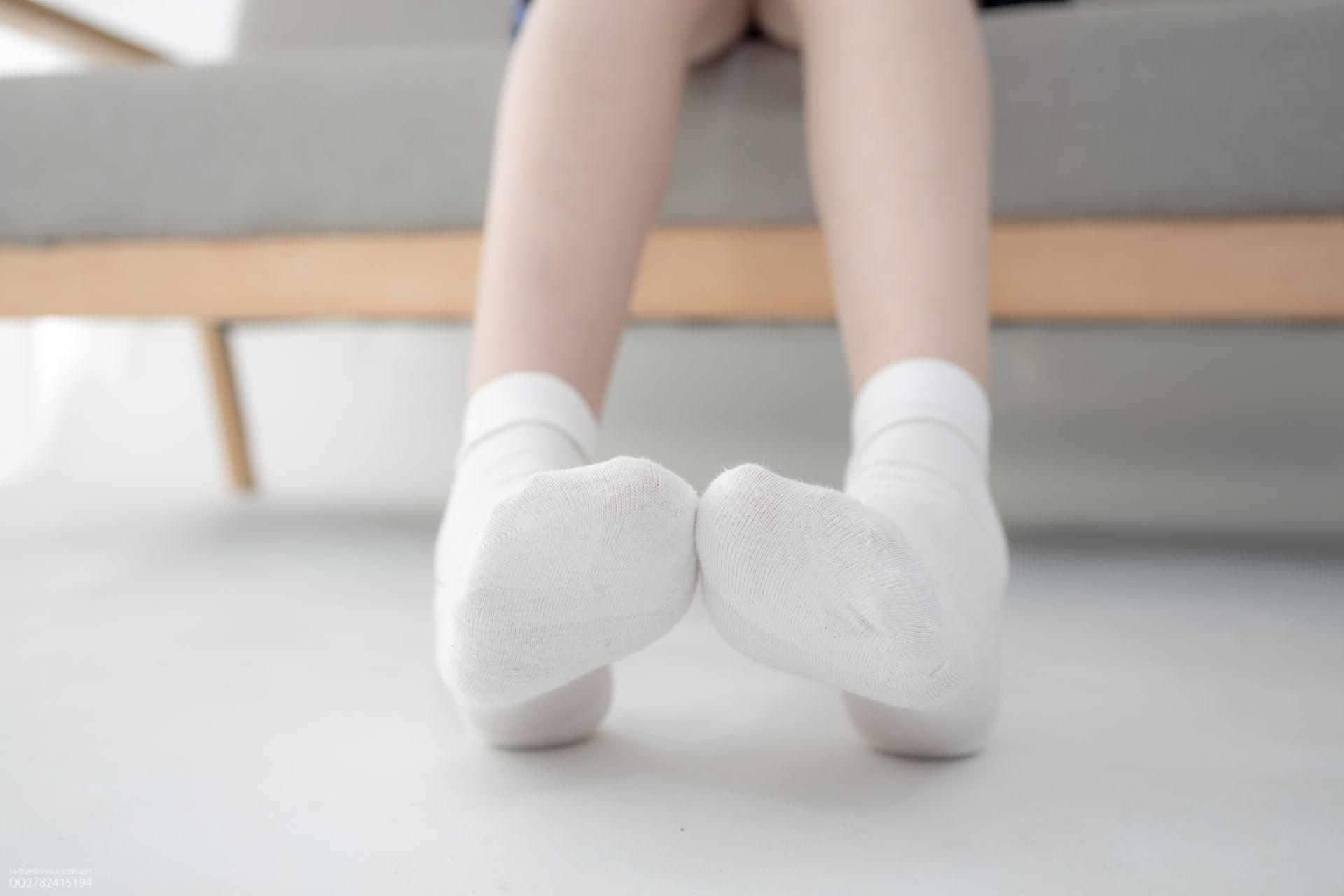 【森萝财团】 森萝财团写真 – JKFUN-041 百圆定制1-3 短棉袜 Aika [27P-1V-1.46GB] JKFUN 第3张