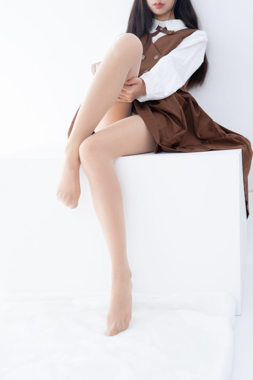 【森萝财团】 森萝财团写真 – JKFUN-033 少女肉丝美腿30D 小梓 [48P-1V-1.08GB] JKFUN 第5张