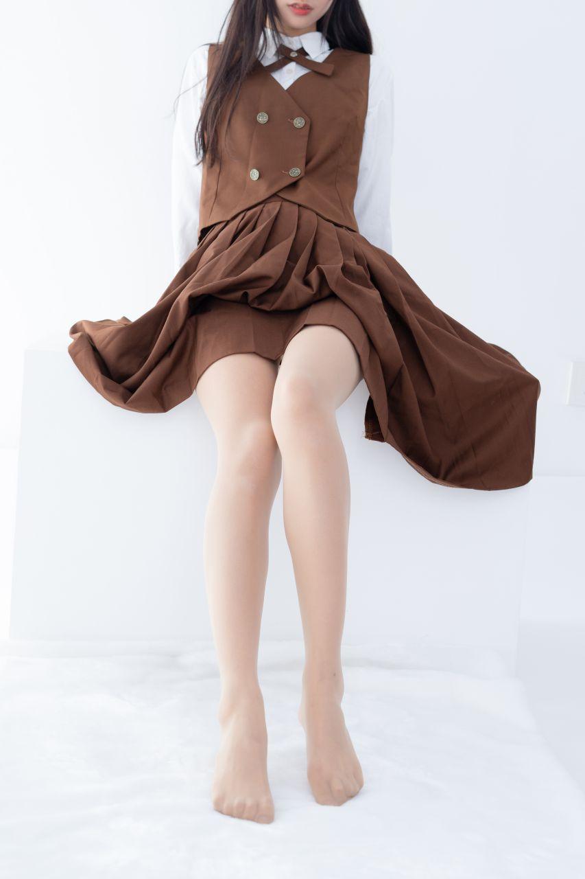 【森萝财团】 森萝财团写真 – JKFUN-033 少女肉丝美腿30D 小梓 [48P-1V-1.08GB] JKFUN 第4张