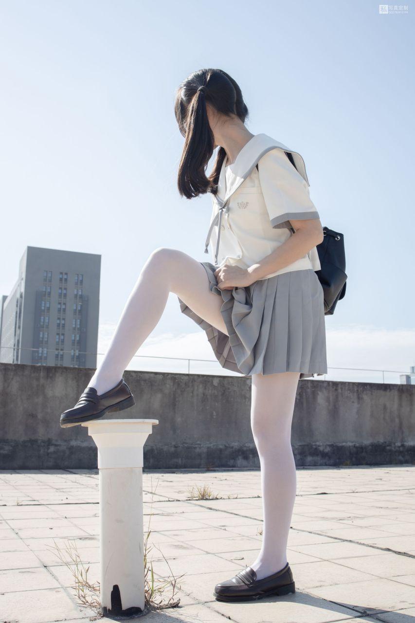 【森萝财团】 森萝财团写真 – JKFUN-028 默陌 15D白丝 抑郁湖边与绝望天台 [59P-1V-3.38GB] JKFUN 第3张