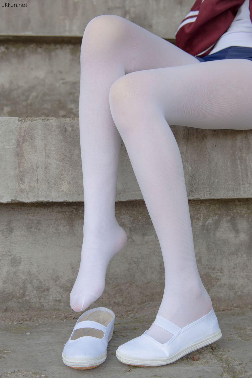 【森萝财团】 森萝财团写真 – JKFUN-019 80D白丝外景体操服 Aika [107P-1V-2.39GB] JKFUN 第2张