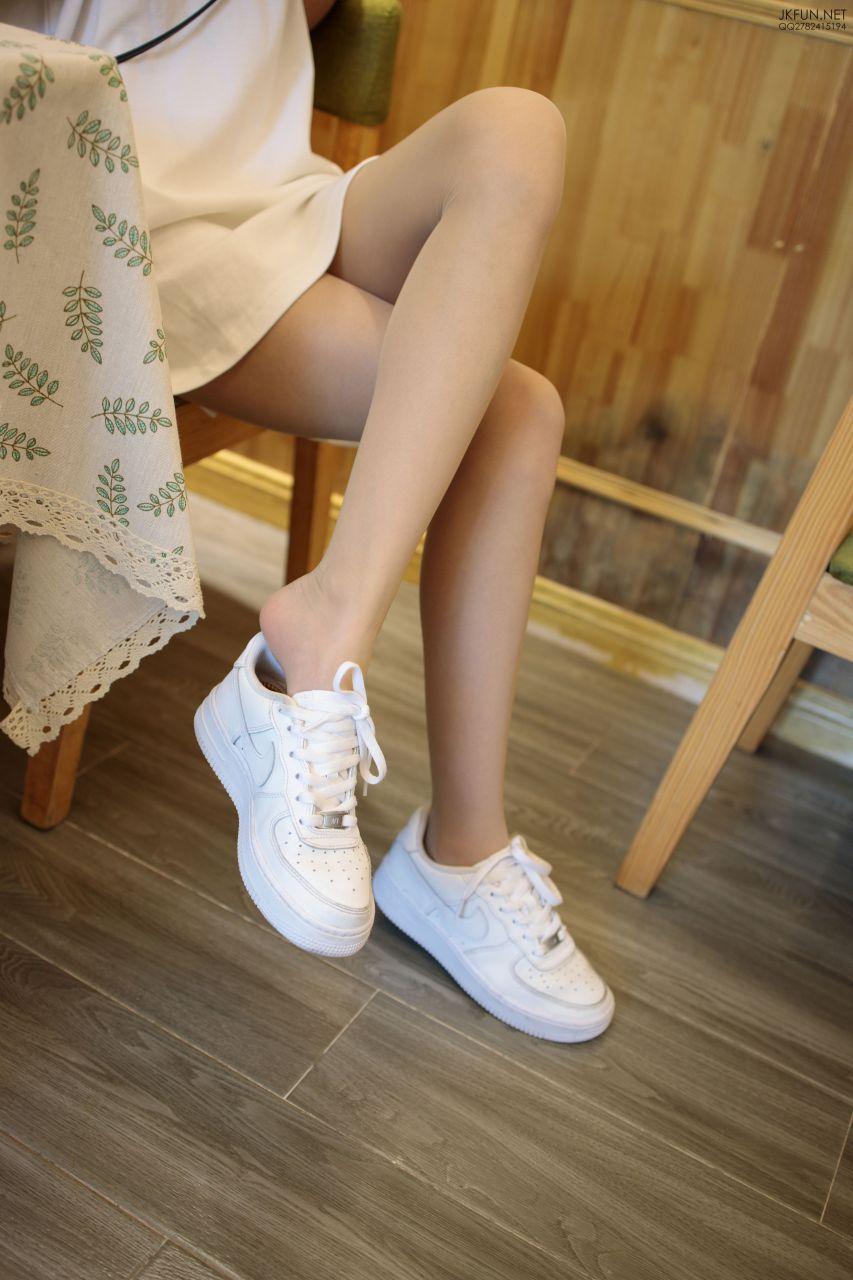 【森萝财团】 森萝财团写真 – JKFUN-012 10D肉丝运动鞋桌下 [102P-1V-3.23GB] JKFUN 第1张