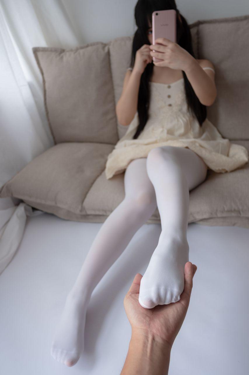 【森萝财团】爱花写真-ALPHA-013 白丝女孩玩美足 [90P-805MB] 森萝财团 第2张