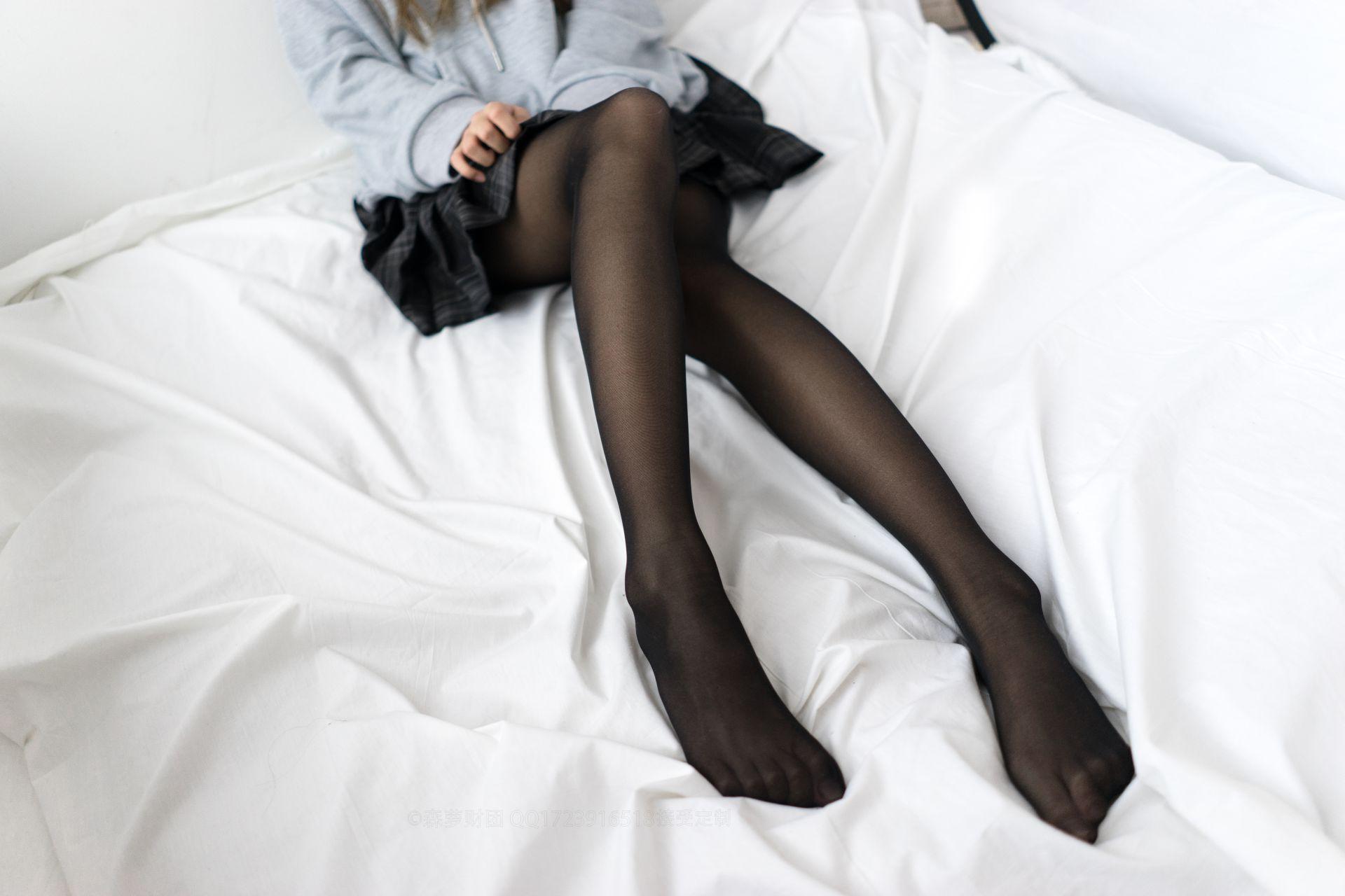 【森萝财团】森萝财团写真 - BETA-039 黑丝短裙 [44P-489MB] BETA系列 第2张