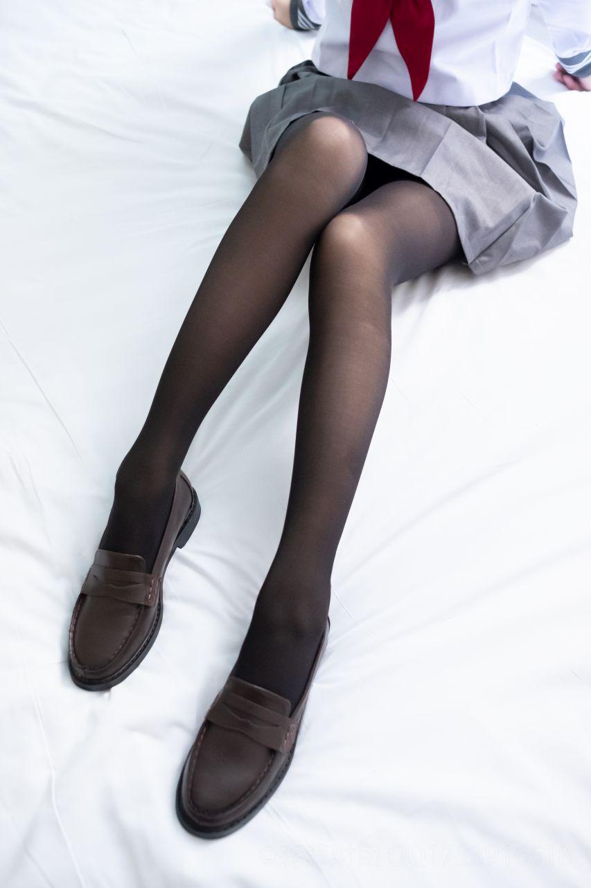 【森萝财团】森萝财团写真 - BETA-035 黑丝学生装小皮鞋 [36P-423MB] BETA系列 第1张