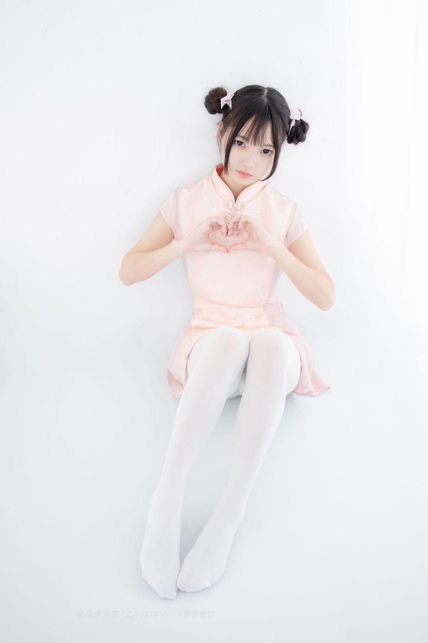 【森萝财团】森萝财团写真 – X-052 超可爱的丸子头少女 [66P-1V-1.63GB] X系列 第2张