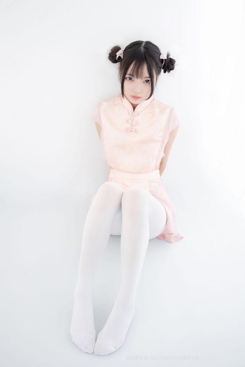 【森萝财团】森萝财团写真 – X-052 超可爱的丸子头少女 [66P-1V-1.63GB] X系列 第1张