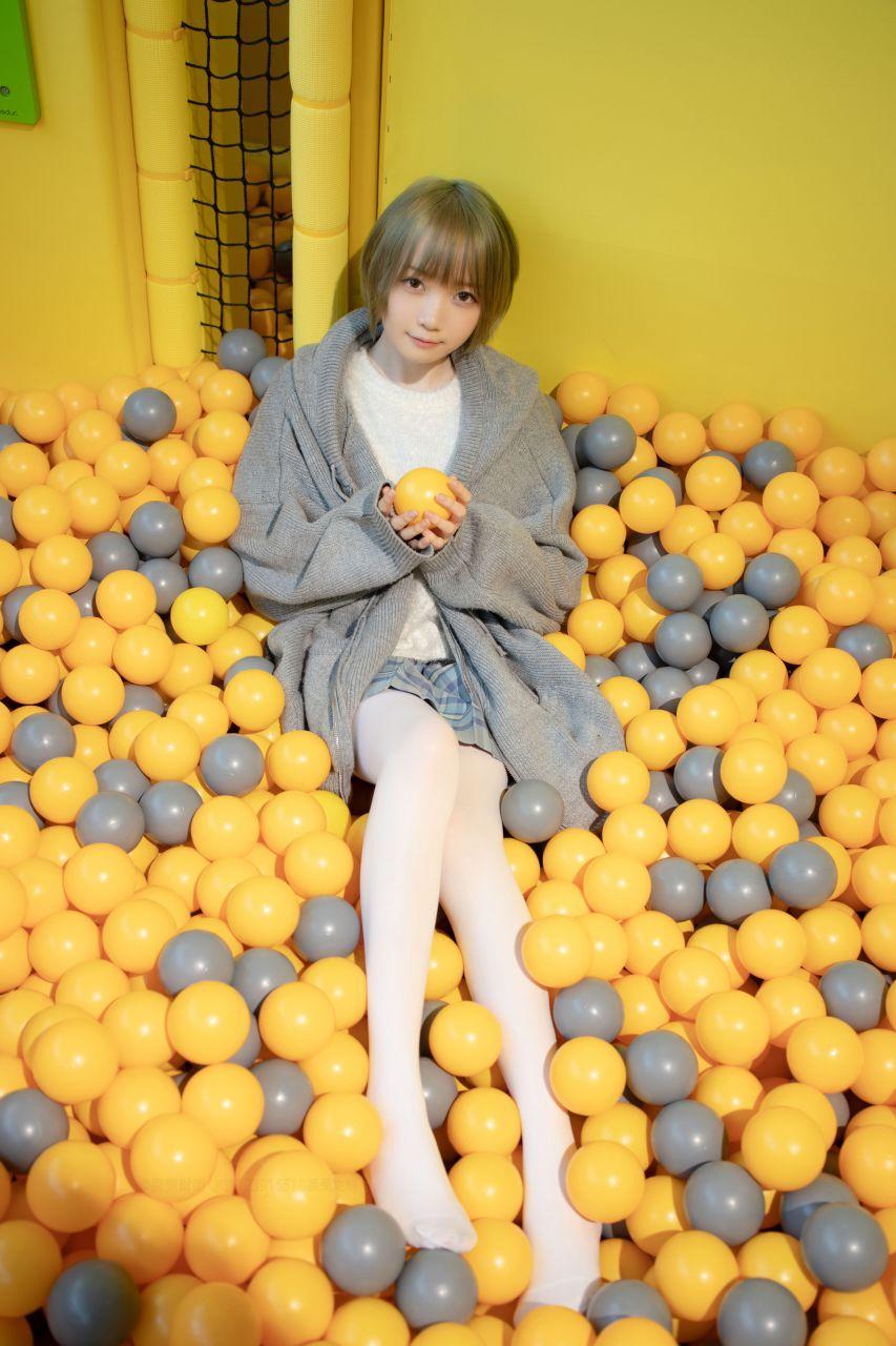 【森萝财团】森萝财团写真 – X-047 儿童乐园里的JK少女 [141P-1V-2.85GB] X系列 第3张