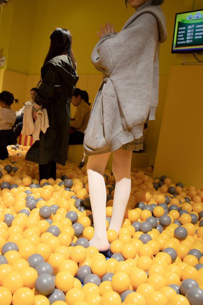 【森萝财团】森萝财团写真 – X-047 儿童乐园里的JK少女 [141P-1V-2.85GB] X系列 第5张