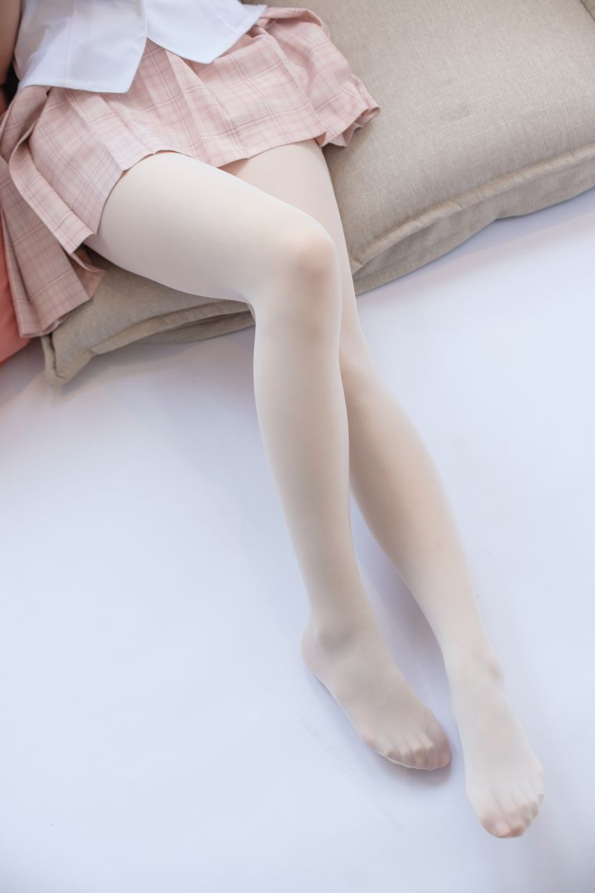 【森萝财团】森萝财团写真 - SSR-012 奶白超滑丝袜 [91P-998MB] SSR系列 第2张