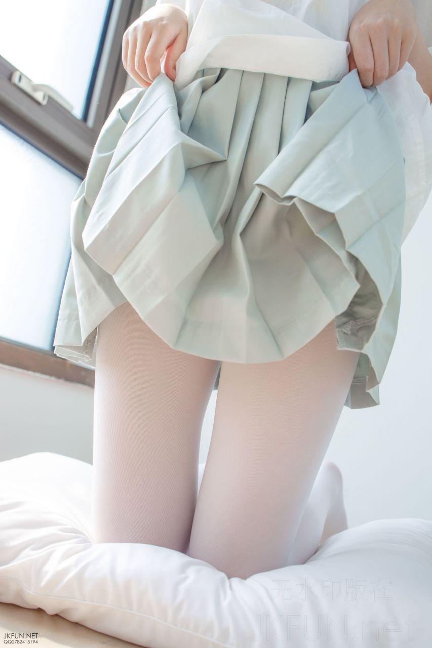 【森萝财团】 森萝财团写真 – JKFUN-009 Aika 50D白丝按摩仪 [105P-1V-3.03GB] JKFUN 第3张
