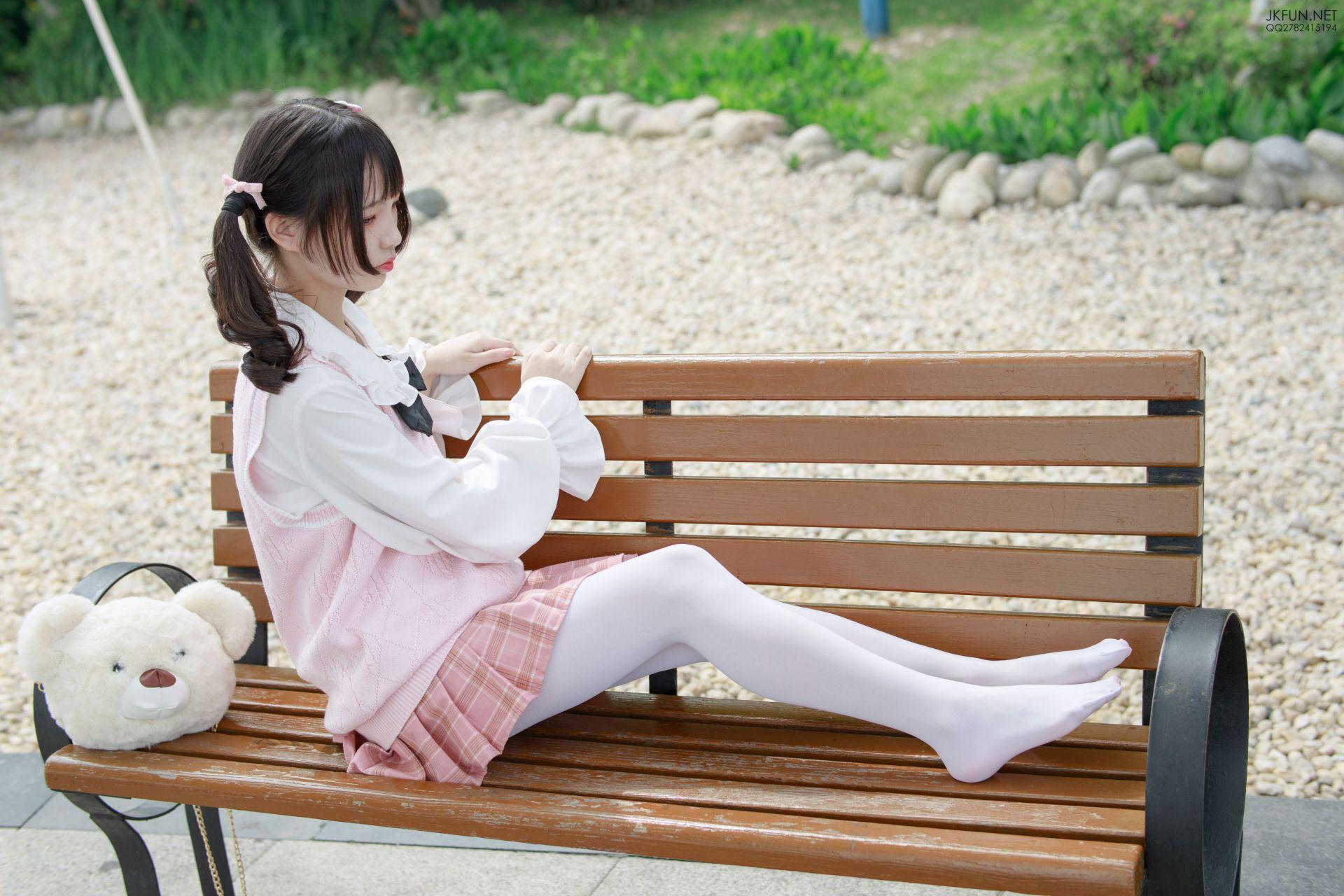 【森萝财团】 森萝财团写真 – JKFUN-007 默陌 80D白丝 [126P-1V-2.90GB] JKFUN 第5张