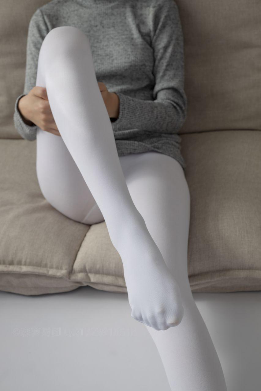 【森萝财团】爱花写真-ALPHA-016 青涩性感的美少女 [143P-1.87GB] 森萝财团 第5张