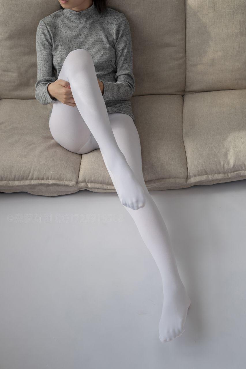 【森萝财团】爱花写真-ALPHA-016 青涩性感的美少女 [143P-1.87GB] 森萝财团 第4张