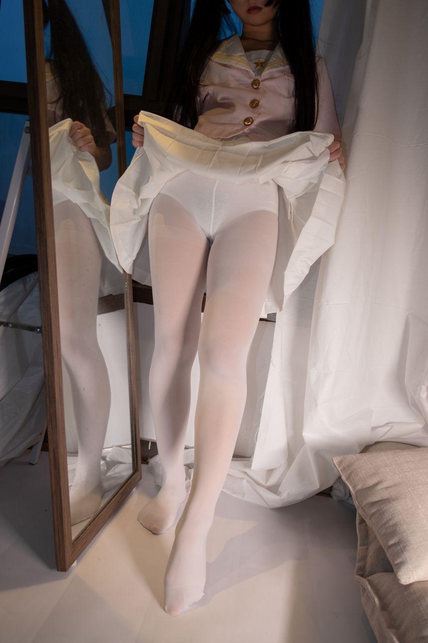 【森萝财团】爱花写真-ALPHA-012 超可爱露脸白丝 [103P-1V-1.08GB] 森萝财团 第3张