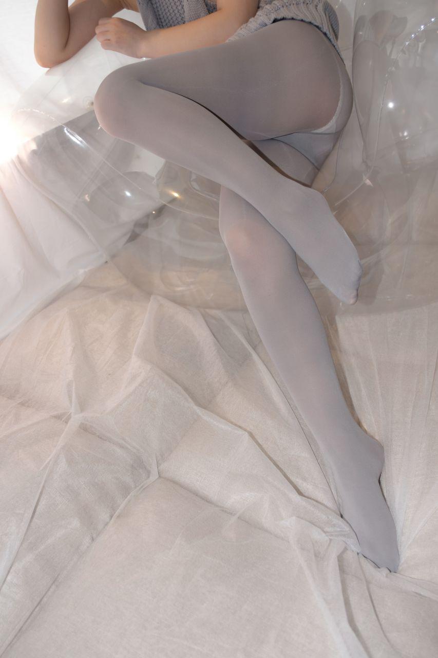 【森萝财团】爱花写真-ALPHA-009 露背毛衣 灰丝露脸 [98P-1005MB] 森萝财团 第5张