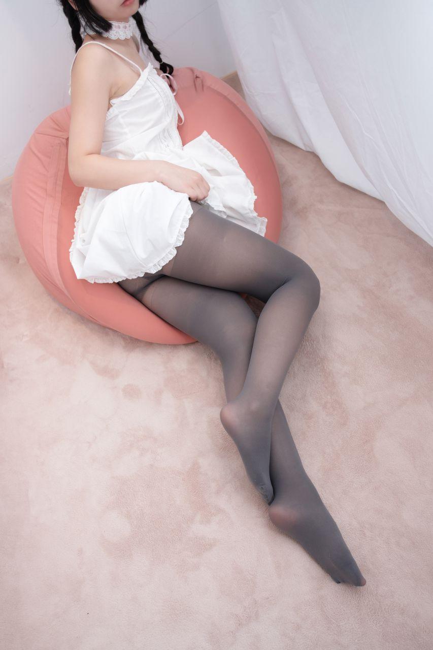 【森萝财团】爱花写真-ALPHA-001 可爱公主妹妹丝袜秀 [76P-719MB] 森萝财团 第5张