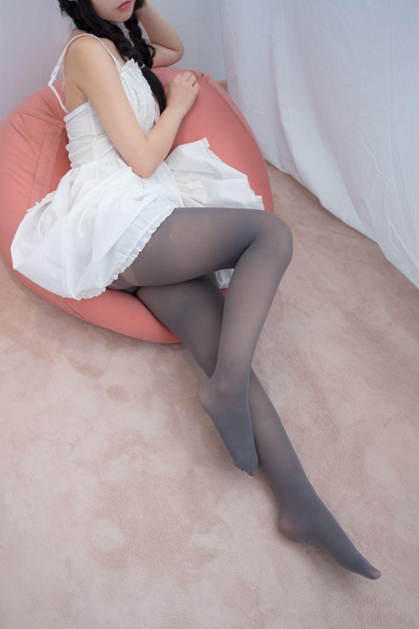 【森萝财团】爱花写真-ALPHA-001 可爱公主妹妹丝袜秀 [76P-719MB] 森萝财团 第3张