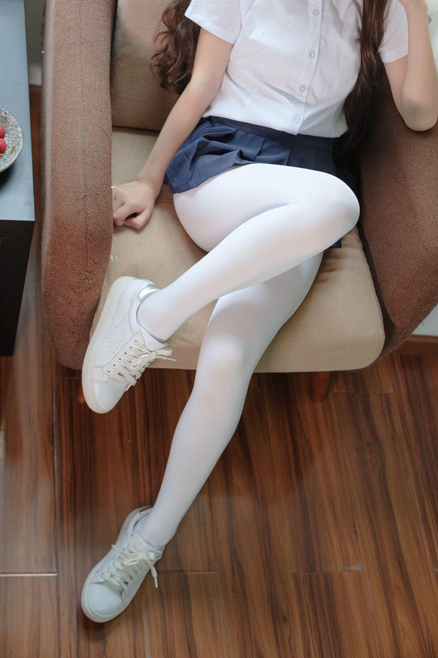 【森萝财团】森萝财团写真 – X-034 白丝小白鞋 [83P-1V-1.92GB] X系列 第2张