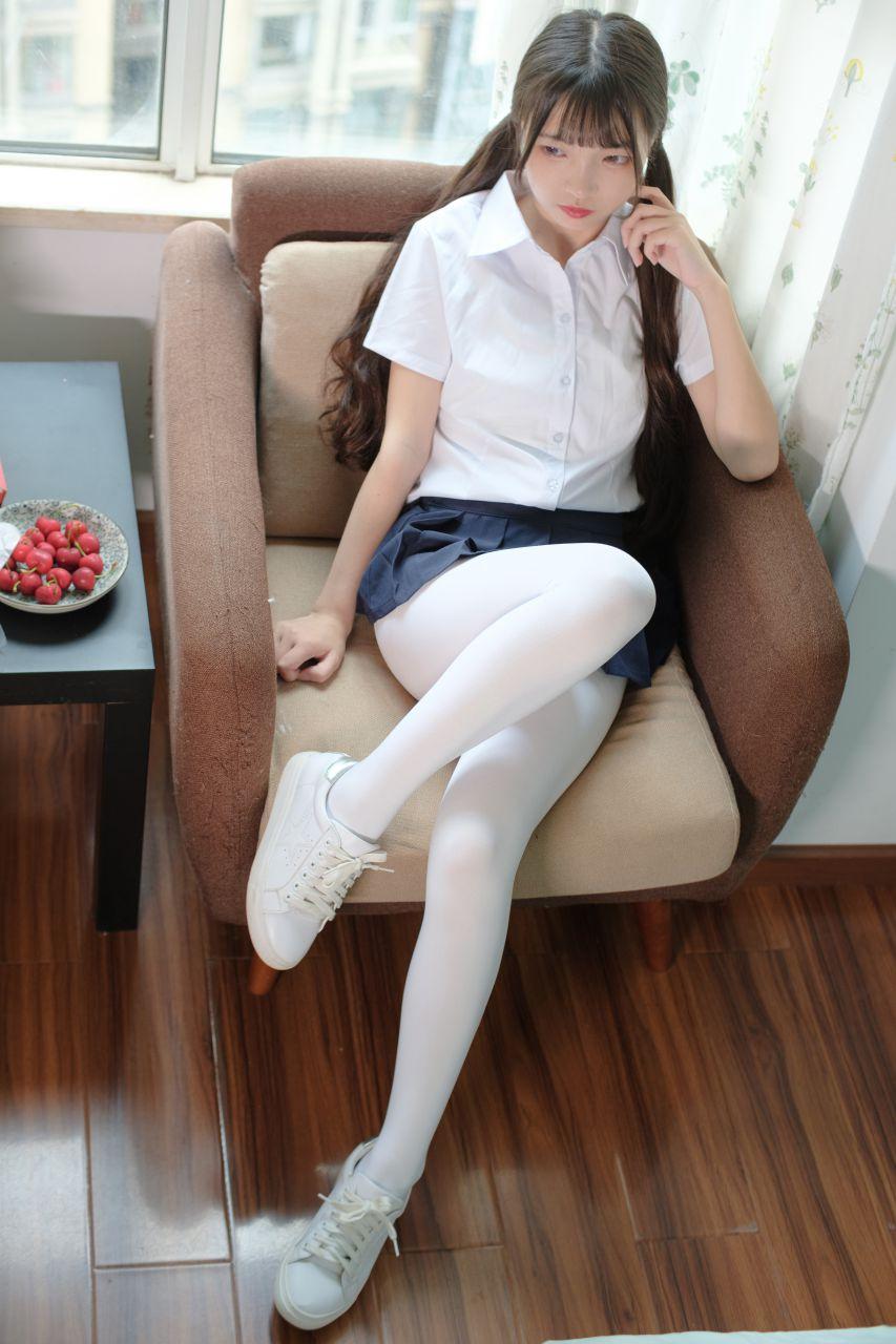 【森萝财团】森萝财团写真 – X-034 白丝小白鞋 [83P-1V-1.92GB] X系列 第1张