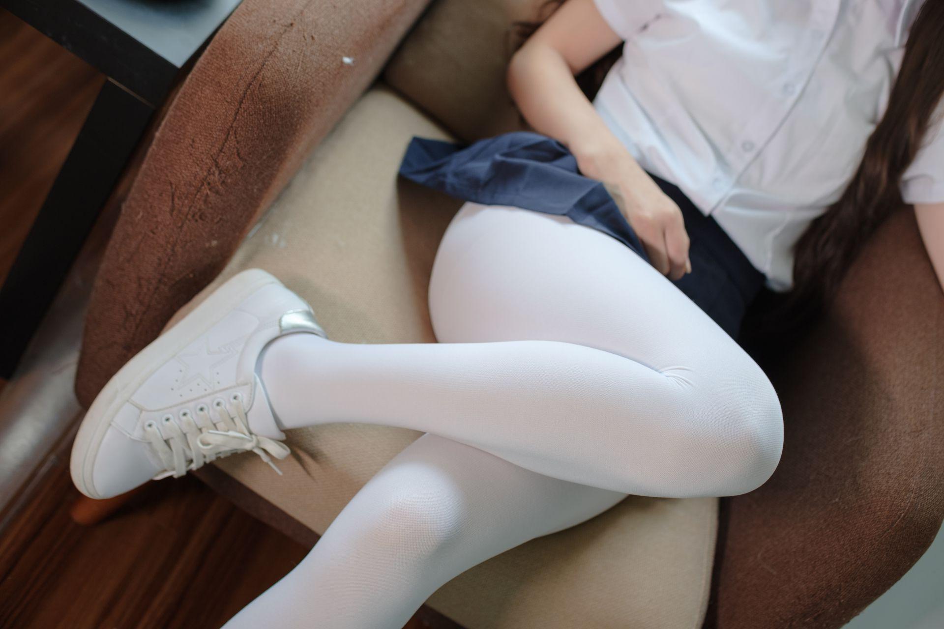 【森萝财团】森萝财团写真 – X-034 白丝小白鞋 [83P-1V-1.92GB] X系列 第3张