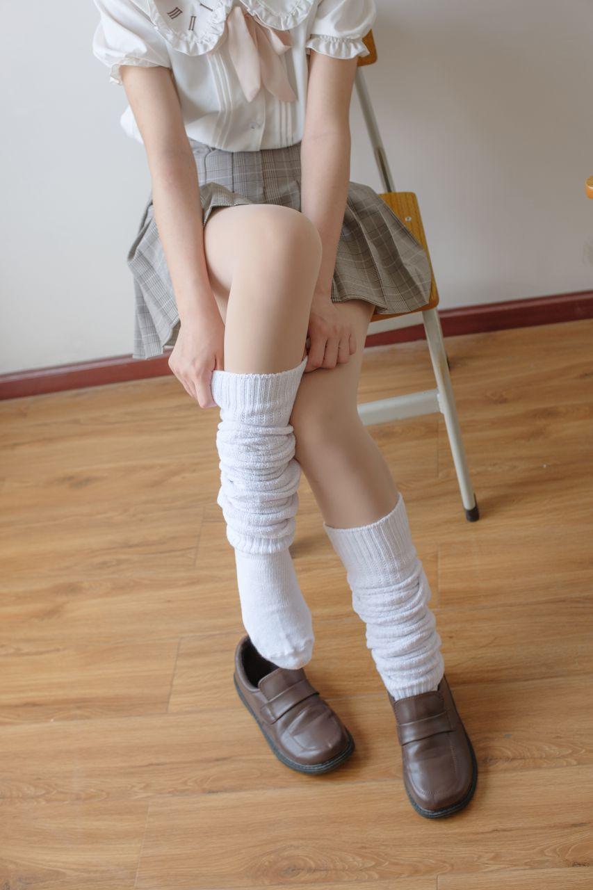 【森萝财团】森萝财团写真 – X-033 校花的短袜 [102P-1V-1.97GB] X系列 第5张