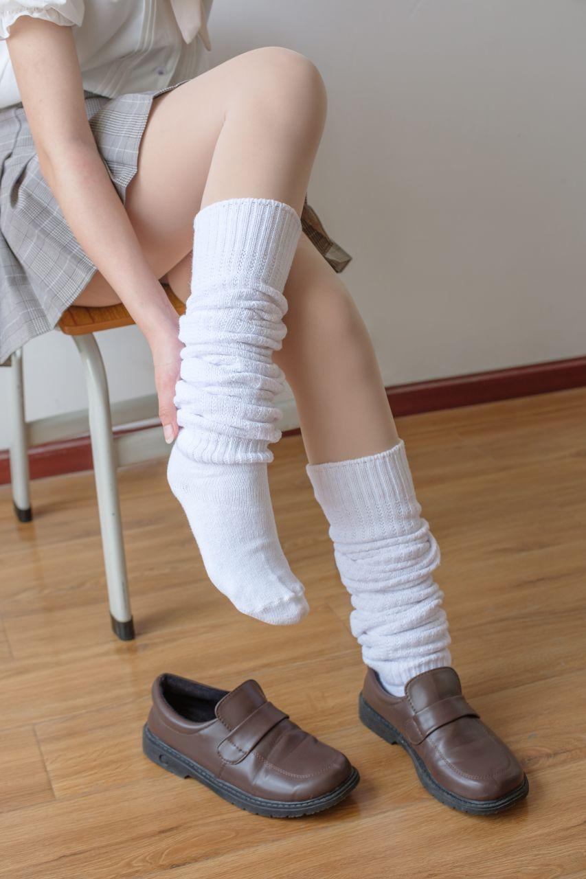 【森萝财团】森萝财团写真 – X-033 校花的短袜 [102P-1V-1.97GB] X系列 第4张