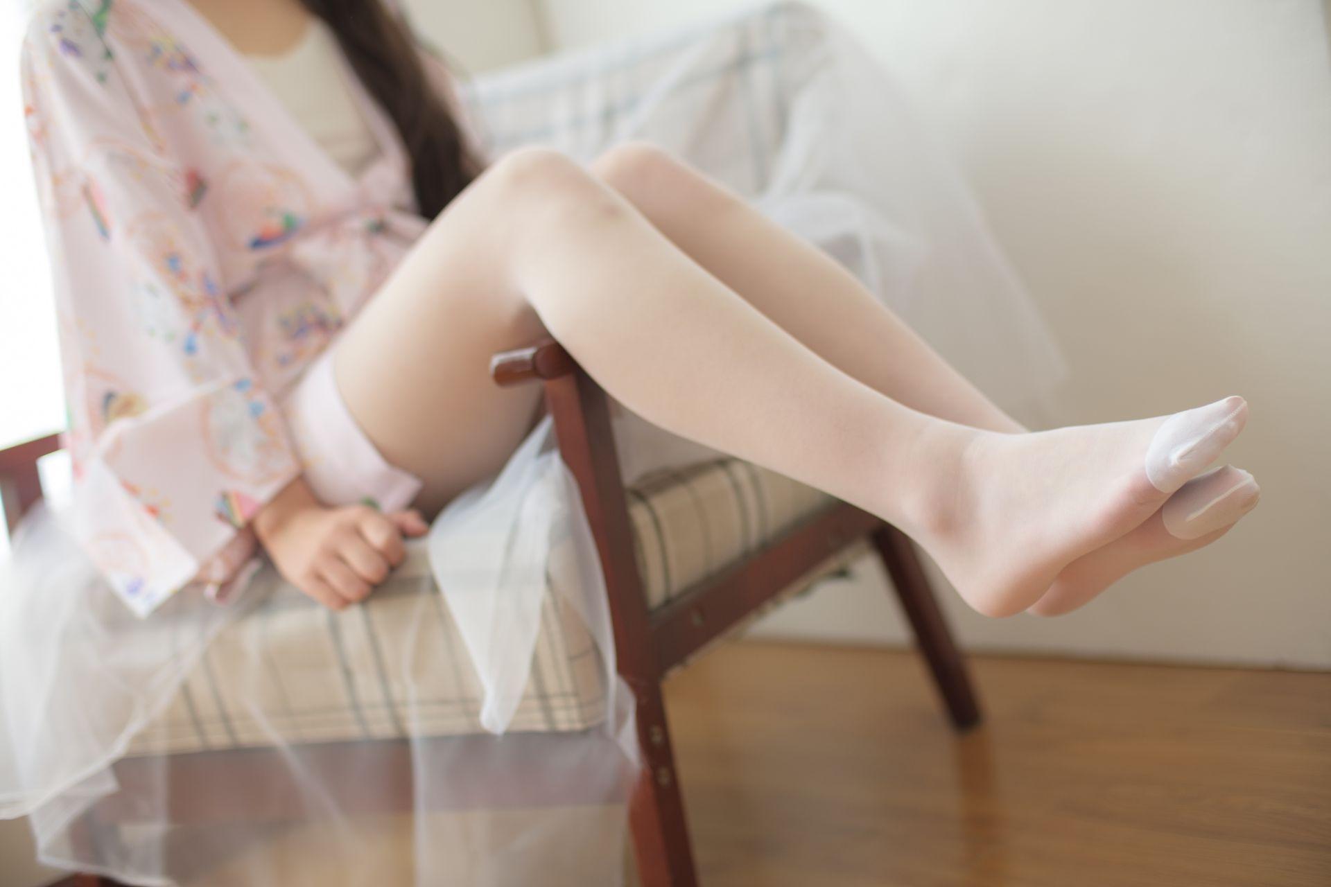 【森萝财团】森萝财团写真 – X-022 少女的清凉白丝 [90P-1V-1.58GB] X系列 第5张