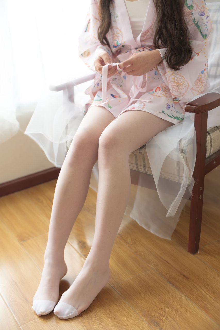 【森萝财团】森萝财团写真 – X-022 少女的清凉白丝 [90P-1V-1.58GB] X系列 第1张
